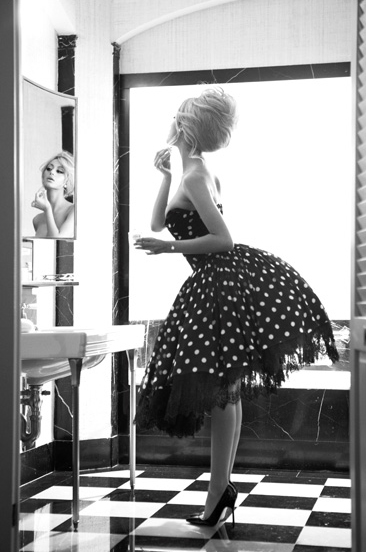 Black and white B&W Fashion Photography Polka Dots High Heels Retro Fashion Inspiration