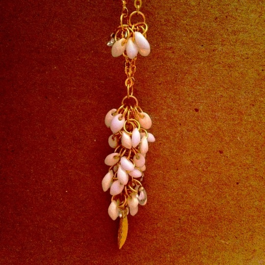 jump rings magatama beads chain