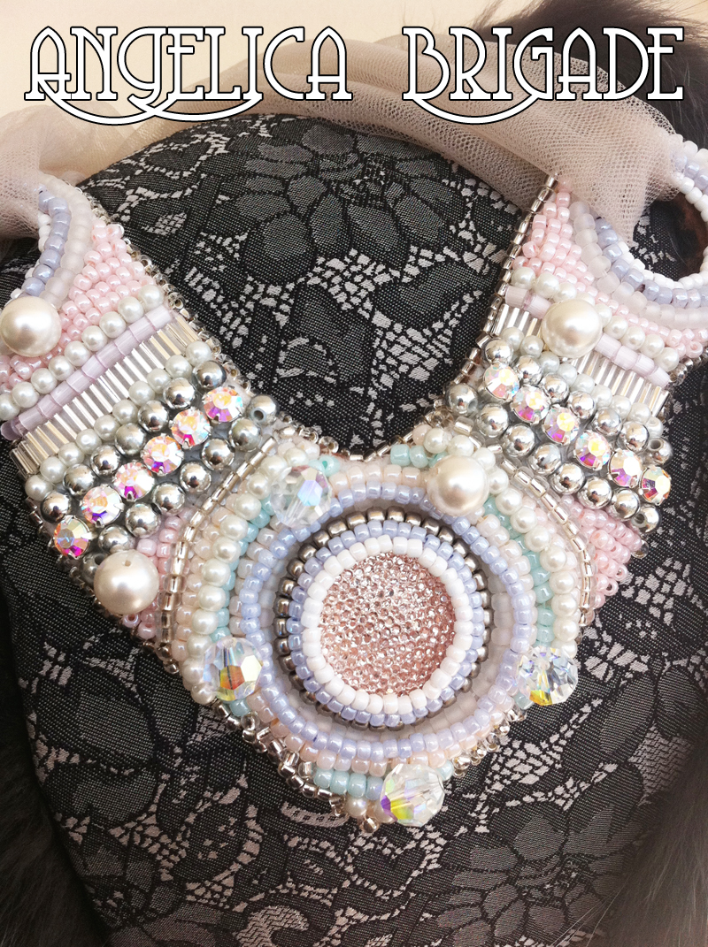 angelica-brigade_handmade_beaded-bib-statedment-necklace_collar_001_front