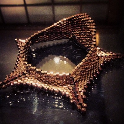 angelicabrigade_beadweaving_dimensional-hex-bangle_workinprogess4