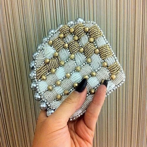 joyce-katuari_angelica-brigade_bead-embroidery_handheld-fan_coquette_0003