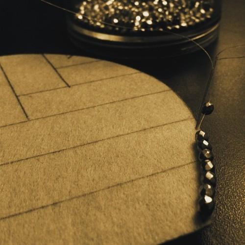 joyce-katuari_angelica-brigade_bead-embroidery_handheld-fan_coquette_0006