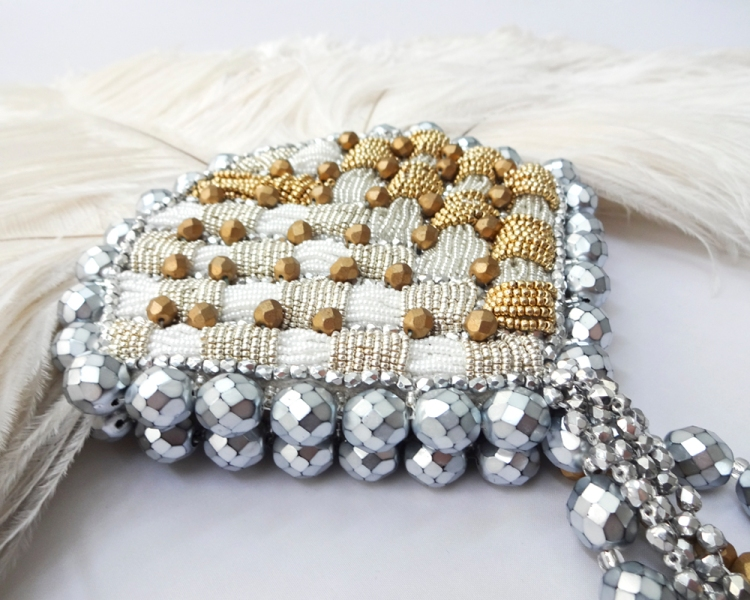 joyce-katuari_angelica-brigade_bead-embroidery_handheld-fan_coquette_002