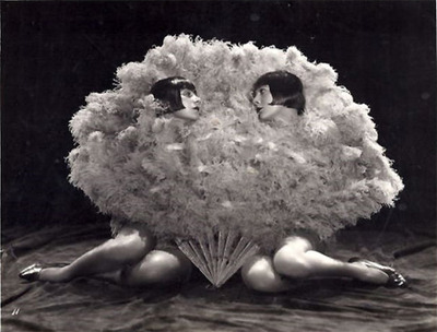 Dolly Sisters feather fans